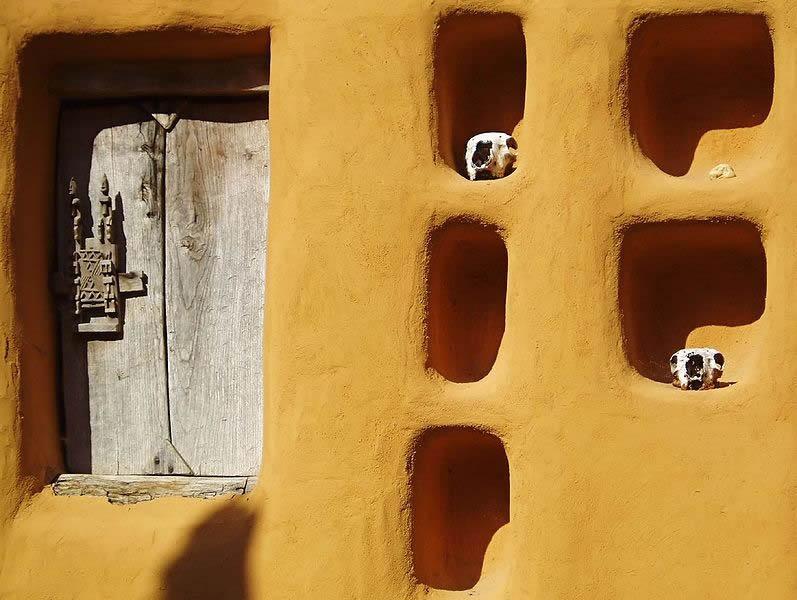 Hier ganz klassischer Lehmbau, anzutreffen in Mali (Bild: Wikicommons).